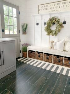 mudroom-with-seating