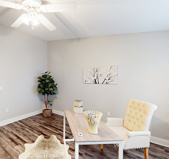 staged-home-office-deltona-florida
